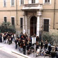 """""""Aggredita dai compagni nel collegio San Carlo di Milano"""", sospesi due alunni delle..."""