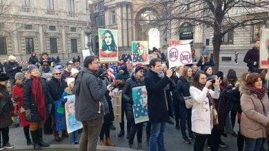 Foto  La Women's March anti-Trump, la voce delle donne si alza in piazza della Scala