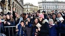 Fedez e J-Ax, la folla di fan invade piazza Duomo