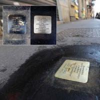Milano, vandali contro le pietre d'inciampo. Ornella Coen: