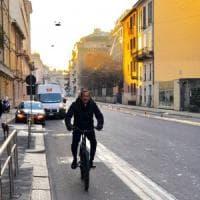 Smog, a Milano Pm10 fuorilegge: verso stop a mezzi inquinanti. Sala su Facebook:
