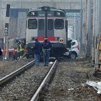 Brescia, treno contro auto al passaggio a livello: morto l'automobilista