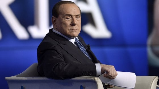 """Ruby ter, Berlusconi rinviato a giudizio. I pm: """"10 milioni alle olgettine per mentire al processo"""""""