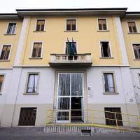 Milano, giovane profugo suicida nel centro del Comune: