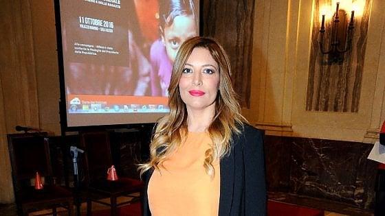 Milano, foto rubate ai famosi: la pm chiede la condanna di Selvaggia Lucarelli, Macchianera e Soncini