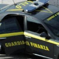 Sondrio, droga e ricariche telefoniche in cambio di sesso con minori: arrestato 34enne