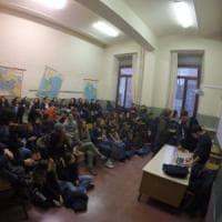 Scuola, l'occupazione in diretta su Fb: tra pastafarianesimo e legge elettorale, un media...