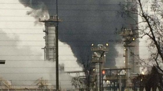 Incendio alla raffineria di Sannazzaro Nessun ferito, danni contenuti