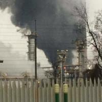 Nuovo incendio nella raffineria Eni del Pavese, è il secondo in poco più di due mesi