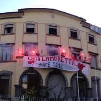 Milano, centro sociale lascia il residence della Statale: