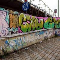 Monza, lite fra giovani writer per un muro conteso: quindicenne ferito da una coltellata