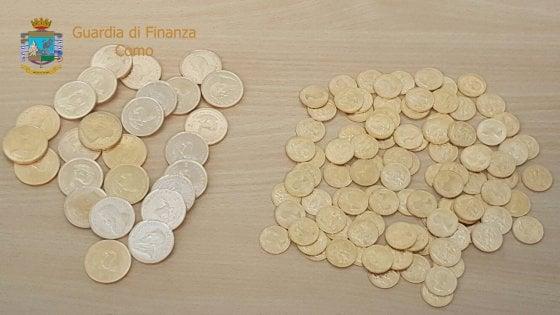 Como, bloccato sul treno Zurigo-Milano un ricercatore che nascondeva 125 monete d'oro