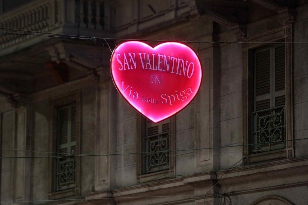 San valentino a milano piovono cuori in via della spiga for San valentino 2017 milano