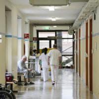 Lodi, donna di 55 anni muore di tubercolosi in ospedale: test per familiari e colleghi