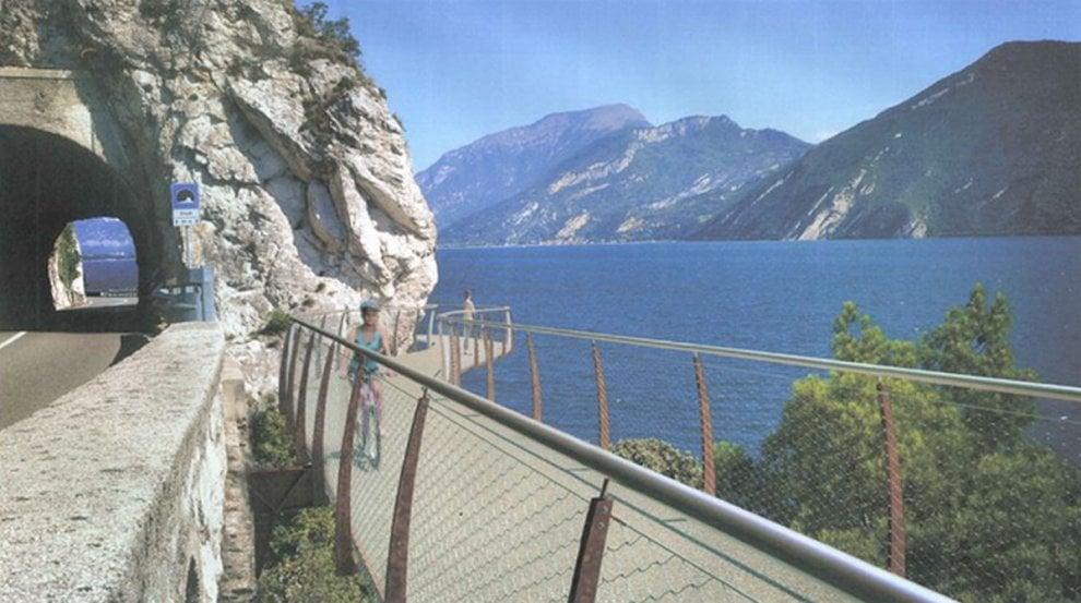 Lago di Garda, arriva la maxi ciclabile per godersi tutte le meraviglie del paesaggio
