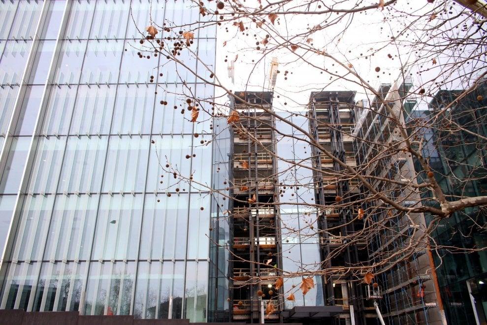 Milano, vetro e acciaio per la cittadella Amazon in Porta Nuova