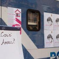 San Valentino, a Milano un camper per denunciare: