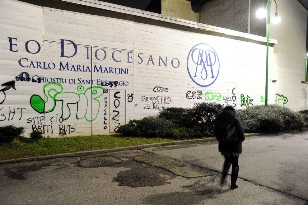 Milano, vandali scatenati contro il Museo Diocesano intitolato a Martini