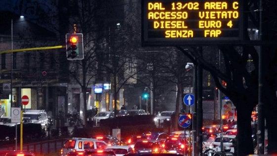Milano, debuttano le nuove regole di Area C: 3mila ticket acquistati per gpl e metano