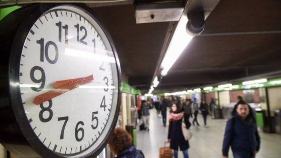 Metrò e bus a Milano, quei 2 minuti in più di attesa: via ai mini tagli della domenica e nei momenti di calma