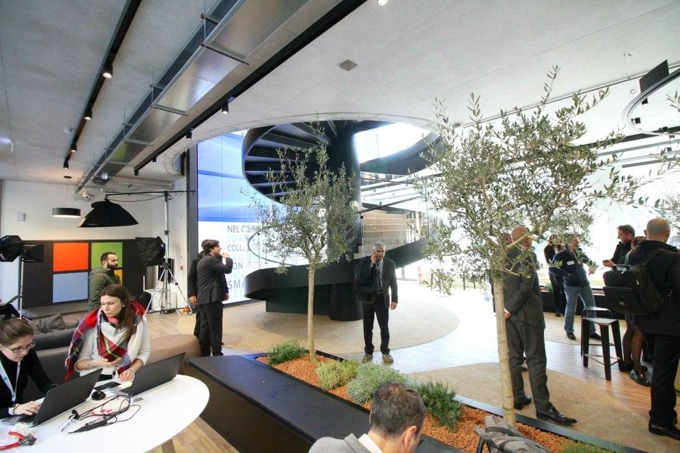 Smartworking e sei piani di vetro la nuova sede microsoft for Piani di hot house