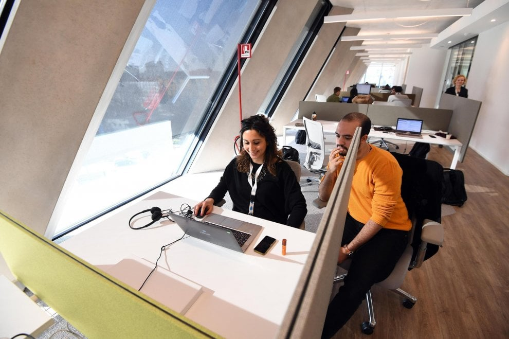 Smartworking e sei piani di vetro la nuova sede microsoft for Piani classici per la nuova inghilterra