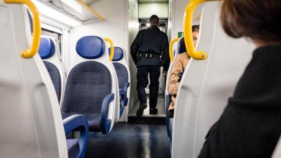 """Lodi, 19enne molestata e derubata in stazione. Caso Vigevano, 25enne della chat: """"Non sono stato io"""""""