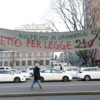 Taxi Milano, ancora stop e aggressioni. Sos per la Settimana della Moda: