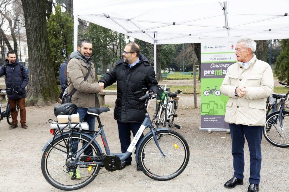 Milano bici elettriche in regalo ai cittadini pi for Regalo elettrodomestici milano