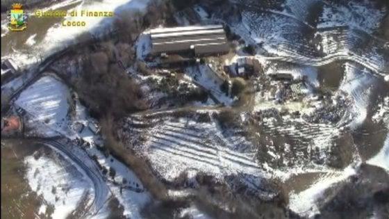 Lecco, smaltimento illecito di rifiuti e bestiame in stato di abbandono: sequestrata azienda agricola