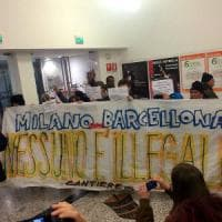 Milano, contestazioni al Forum delle politiche sociali. Sala: