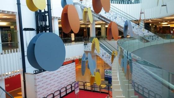 Milano: precipita nel vuoto al cinema, grave una 14enne