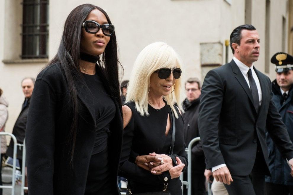 Milano, l'omaggio del mondo della moda a Franca Sozzani