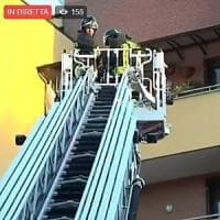 Milano, crolla il tetto di un'officina:  paura in zona Gorla ma non ci sarebbero