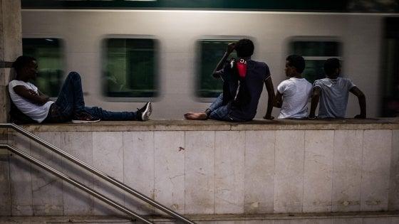 Migranti, identificato il profugo folgorato sul treno per la Svizzera