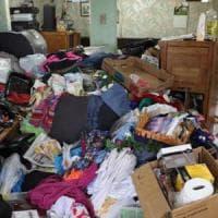 Milano, 68enne accumulatrice seriale trovata cadavere in casa: era morta da settimane