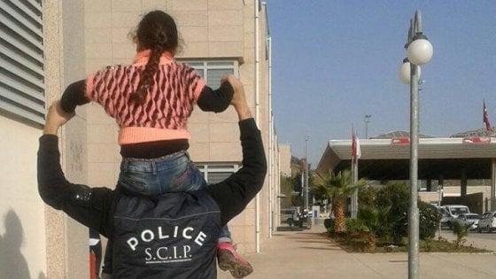 Monza, riabbraccia la mamma la bimba rapita dal papà siriano 5 anni fa