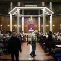 Dj Fabo, l'ultima preghiera nella sua parrocchia