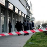 Esplosivo su un bancomat nel Milanese, evacuata una palazzina: intervengono gli artificieri