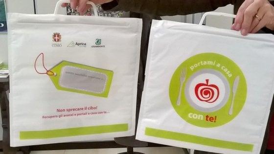 La doggy bag in mensa conquista la Lombardia, sempre più numerose le scuole anti-spreco