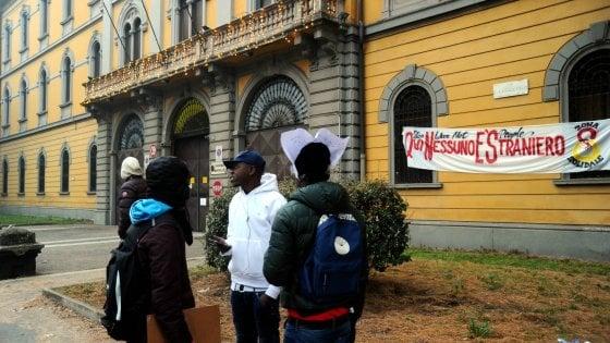 Profughi, lo sport abbraccia i diritti: 100 migranti corrono la Stramilano