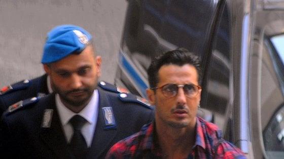 """Processo Corona, in aula il mistero della bomba che ha dato il via alle indagini: """"Diamo ancora la caccia ai responsabili"""""""