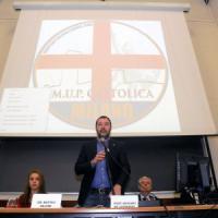 Salvini polemico sale in cattedra, la Cattolica di Milano blindata: