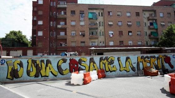 Case popolari a Milano: solo un palazzo su 10 è in buone condizioni, il 30% dei regolari non paga