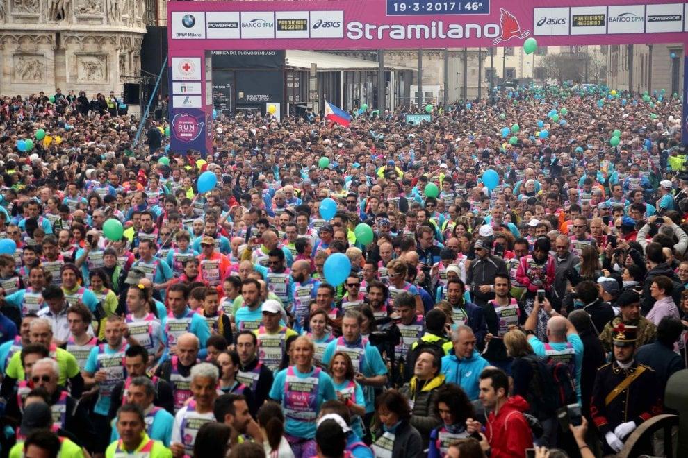Stramilano, in 70mila alla partenza: la grande festa dello sport