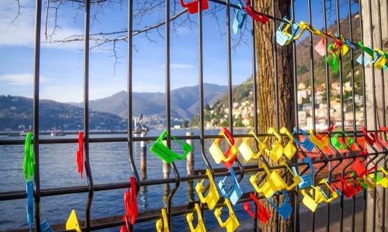 Lago di Como, dopo lo scandalo è ancora prigioniero dei cantieri: la rivolta dei 40mila lucchetti