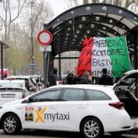 Sciopero Taxi a Milano, disagi per i viaggiatori in stazione e a Linate: