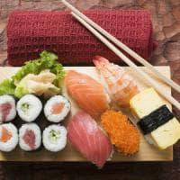 """""""Mal di sushi"""", a Milano il caso arriva in tribunale: due ristoratori a processo per il..."""