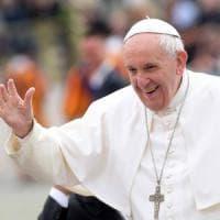 """Bergoglio nella Milano degli ultimi, il Papa sceglie carcere e periferia. Scola: """"La..."""