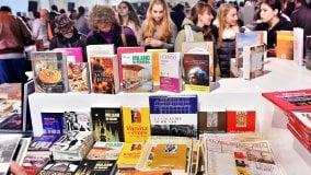 Tempo di libri, 2mila autori e più di 400 editori -      L'alfabeto     |      Ft:       Gli ospiti           Oltre 700 incontri ed eventi in città       La curiosità   A cena con gli scrittori      di ANNARITA BRIGANTI E TERESA MONESTIROLI